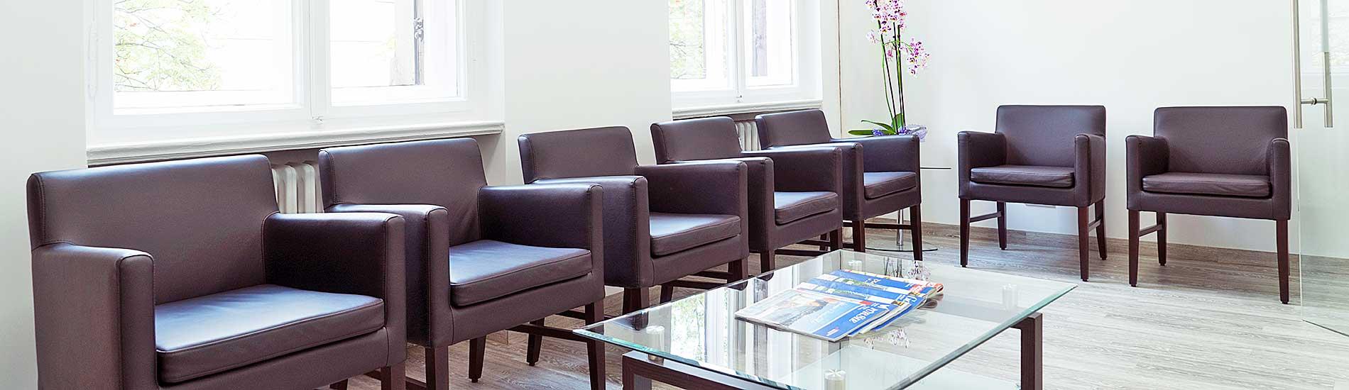 Chirurgische Praxis am Spreebogen – Wartezimmer